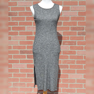 Forever 21 sleeveless midi dress size medium